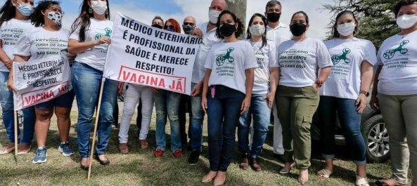 Após protestos por vacinação, SES-PE marca reuniões com veterinários e profissionais de Educação Física